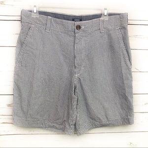 IZOD 32 Men's Shorts Striped Blue White Career